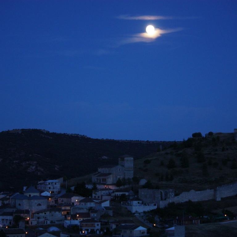 Casa de Laura - El Entorno - De Noche